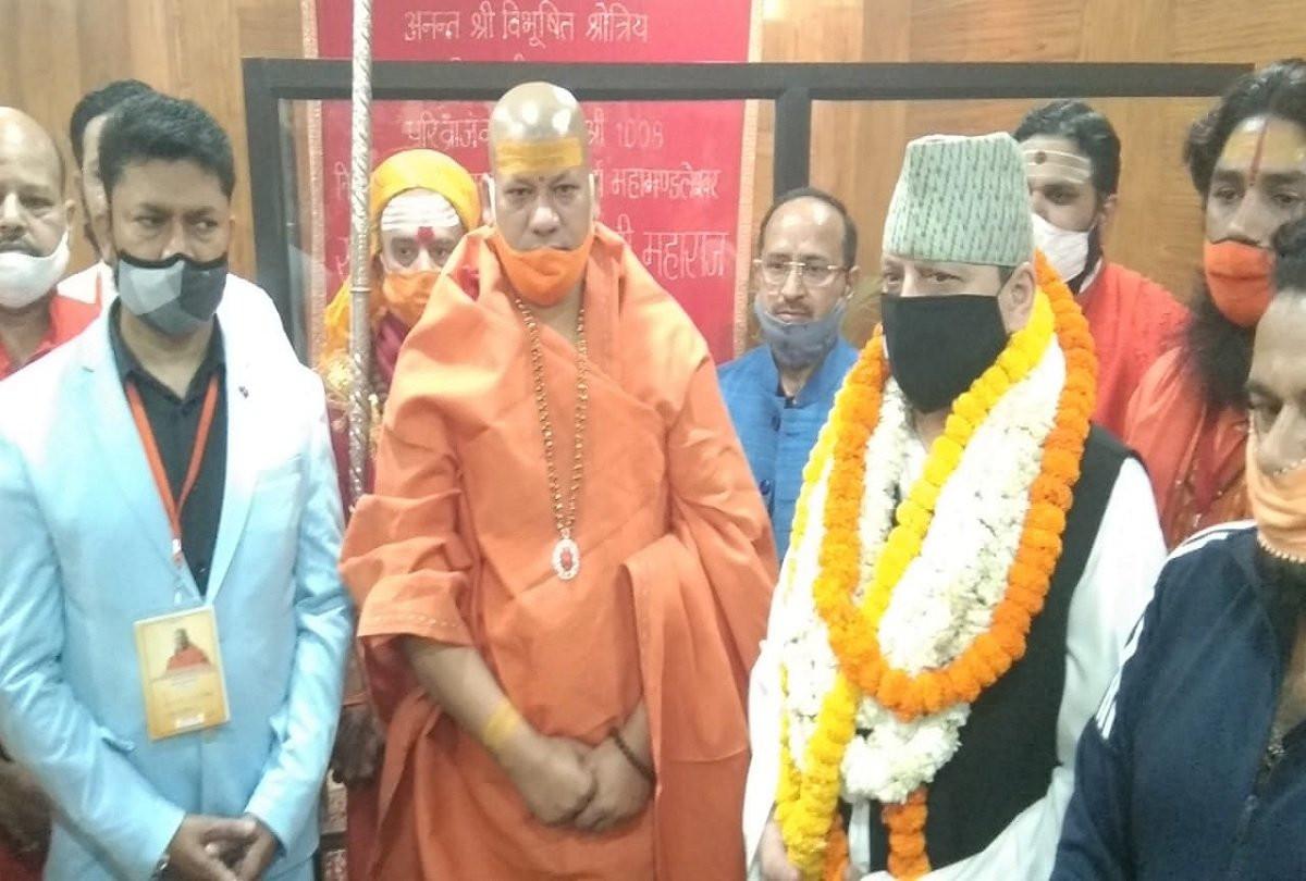 नयाँ दिल्लीमा हाइप्रोफाइल राजनीतिज्ञहरुले राजा ज्ञानेन्द्रसँग भेटवार्ता गर्दै