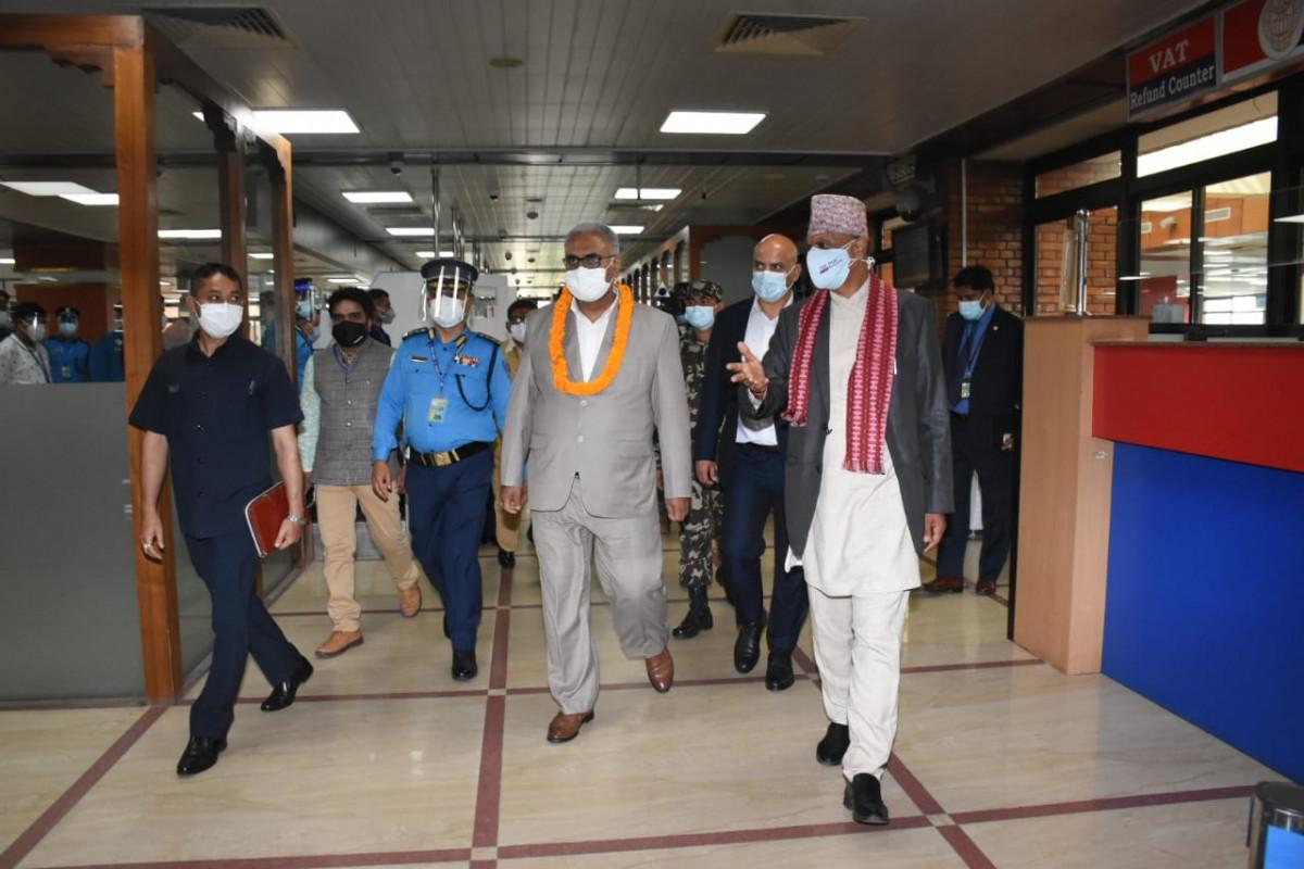 त्रिभुवन विमानस्थलको निरीक्षणमा नवनियुक्त पर्यटनमन्त्री अरगरिया, सरसफाइमा विशेष ध्यान दिन निर्देशन