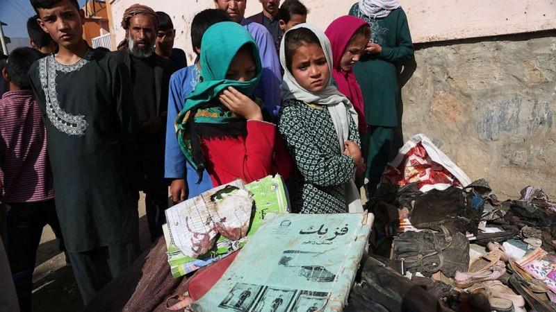 तालिबानी शासनमा अनिश्चितता बढ्दै गएपछि हजारौं अफगानीहरु इरान पलायन हुँदै